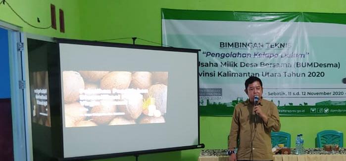 Bimtek pengolahan kelapa dalam di kantor BUMDesma Karang Unarang, Desa Padaidi, Sebatik, Nunukan, Rabu (11/11) lalu. (foto: Humas Provinsi Kaltara)