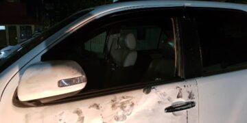 Kaca mobil korban pecah. (foto: istimewa)
