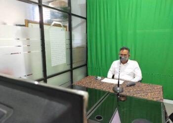 Melalui virtual, Wali Kota Tarakan dr. H. Khairul M.Kes mengikuti pembukaan Musda I DPD PHRI Provinsi Kaltara, Sabtu (14/11). (foto: jendelakaltara.co)