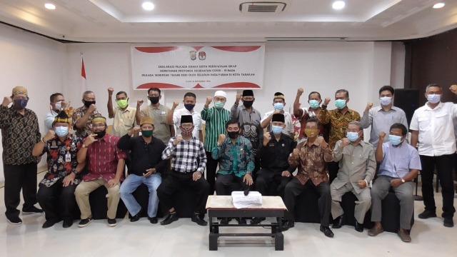 Perwakilan paguyuban se kota Tarakan hadir pada acara deklarasi damai dan pernyataan sikap kepatuhan protokol Covid-19 pada Pilkada serentak 2020 di acara yang berlangsung di Hotel Lotus Panaya, Tarakan, Kamis (26/11/2020).