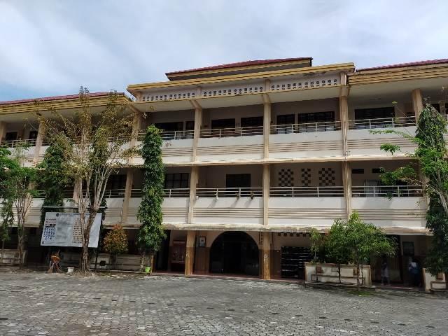 SMPN 1 Tarakan menunda kegiatan belajar mengajar di sekolah. (foto: jendelakaltara.co)