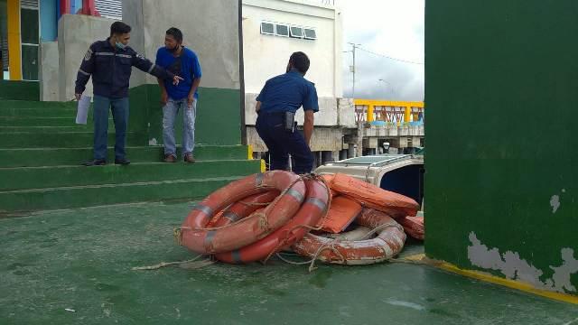 Sejumlah life buoys diamankan KSOP Tarakan dari hasil uji petik yang dilaksanakan Rabu (25/11/2020) di pelabuhan Tengkayu I Tarakan. (foto: istimewa)