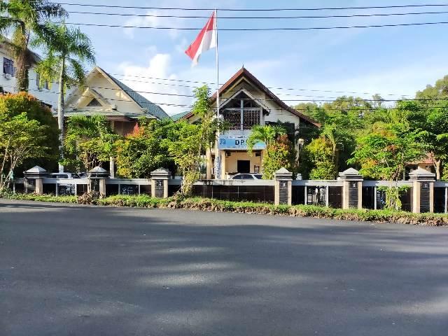 Gedung DPRD Tarakan di Jalan Jenderal Sudirman, Kelurahan Pamusian, Kecamatan Tarakan Tengah. (foto: jendelakaltara.co)