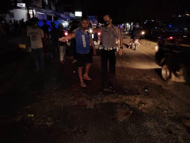 Tempat Kejadian Perkara (TKP) kecelakaan di Jalan Aki Balak tepatnya di depan Kantor PT PDMS yang mengakibatkan dua orang meninggal dunia. (foto: Satlantas Polres Tarakan)