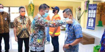 Kepala KPwBI Provinsi Kaltara Yufrizal hadir pada acara launching QRIS sebagai kanal pembayaran pajak dan retribusi Pemkot Tarakan di gedung serbaguna Kantor Wali Kota Tarakan, Kamis (05/11/2020). (foto: Dok Humas KPwBI Provinsi Kaltara)