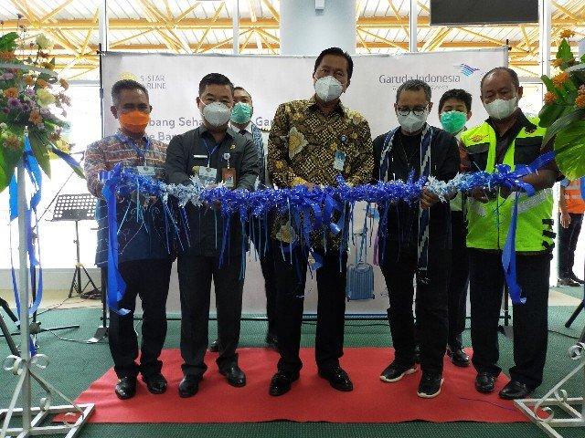 Inaugurasi penerbangan perdana Garuda di ruang tunggu terminal bandara Juwata Tarakan, Sabtu (21/11/2020). (foto: jendelakaltara.co)