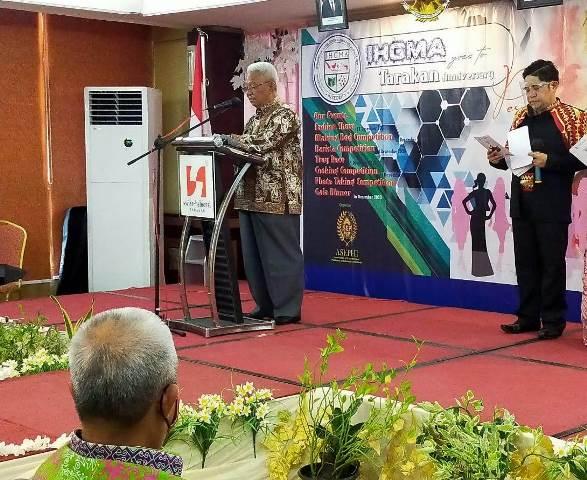 Wakil Wali Kota Tarakan Effendhi Djuprianto membacakan sambutan Wali Kota Tarakan dalam acara fashion show bertema pesona batik di Swiss-belhotel Tarakan, Sabtu (12/12/2020).