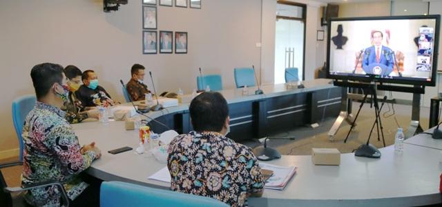 Pjs Gubernur Kaltara, Teguh Setyabudi saat mengikuti pertemuan tahunan BI yang dibuka Presiden Joko Widodo, Kamis (3/12). (foto: Humas Provinsi Kaltara)