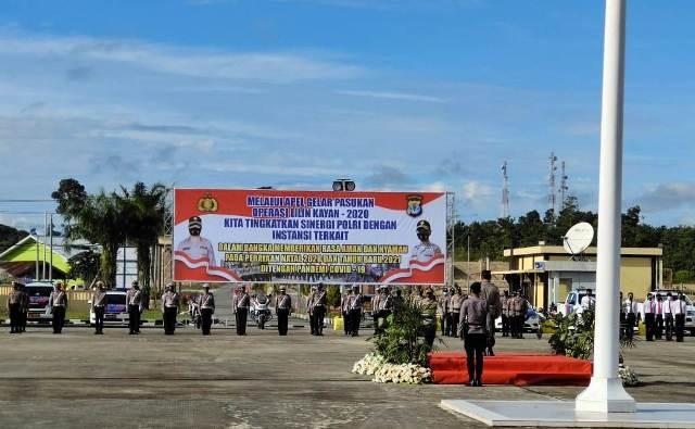 Apel gelar pasukan Operasi Lilin Kayan 2020 dalam rangka pengamanan Nataru di Mako Polda Kaltara, Senin (21/12/2020). (foto: Humas Polda Kaltara)