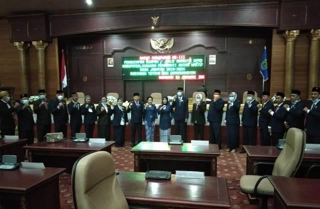 Anggota DPRD Nunukan berfoto bersama. (foto: Istimewa)