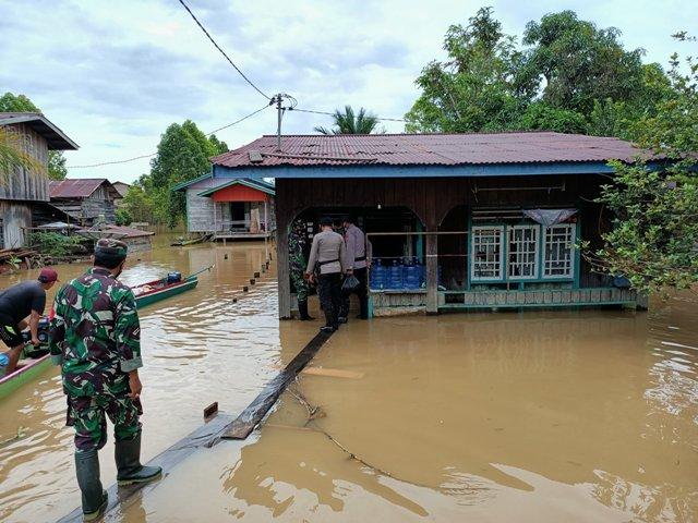 Salah satu titik lokasi banjir di Kecamatan Sembakung. (foto: Istimewa)