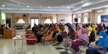 Pemkot Tarakan menggelar pertemuan dengan pihak sekolah di Auditorium SMPN 1 Tarakan, Sabtu (2/1/2020). (foto: jendelakaltara.co)