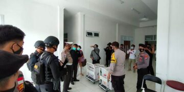 Vaksin Sinovac tiba di UPTD Instalasi Farmasi Kabupaten Malinau. (foto: Humas Polres Malinau)