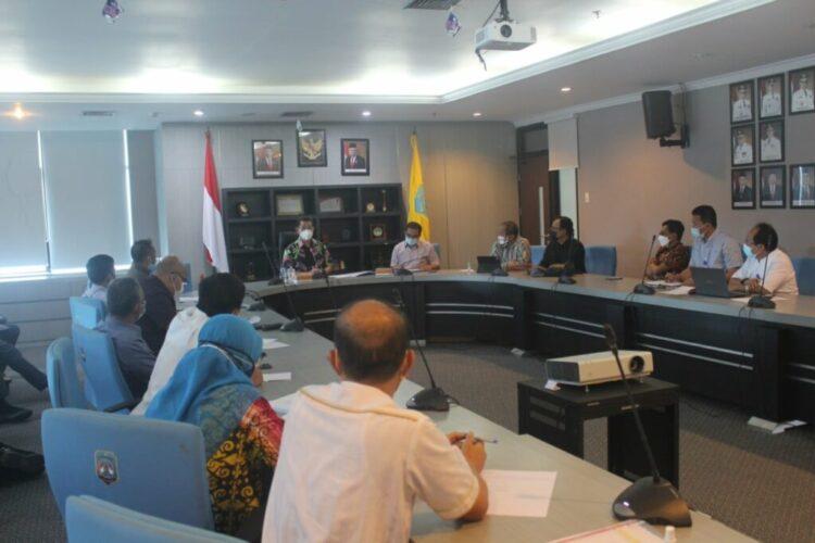 Rapat membahas RPJMD Kaltara dipimpin Wakil Gubernur Kaltara Yansen TP, Jumat (19/2/2021). (foto: Istimewa)