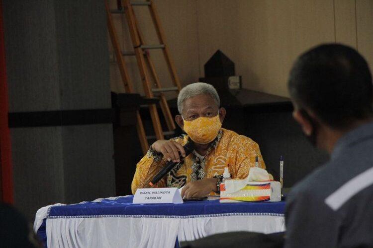 Wakil Wali Kota Tarakan Effendhi Djuprianto menghadiri  rapat pembentukan IBM di Balai Pertemuan Kelurahan Lingkas Ujung. (foto: Humas Setda Tarakan)