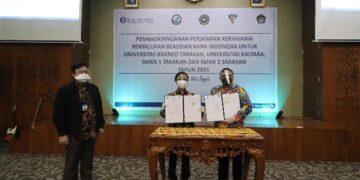 Kepala Perwakilan Bank Indonesia Provinsi Kaltara Yufrizal bersama Rektor UBT Prof Adri Patton. (foto: Humas KPwBI Kaltara)