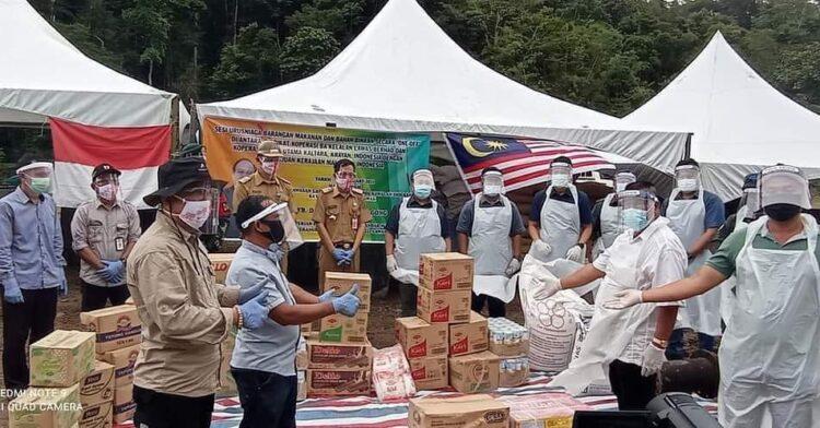 Barang-barang dari Malaysia diizinkan masuk ke Krayan. (foto: Humas Setda Nunukan)