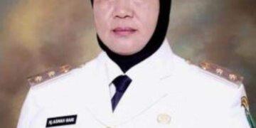 Almarhumah Hj. Asmah Gani sewaktu menjabat Wakil Bupati Nunukan. (foto: Istimewa)