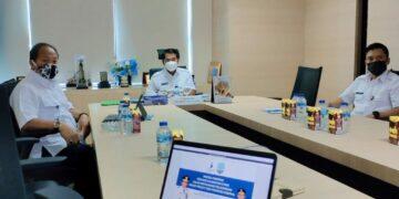 Rapat koordinasi secara virtual antara Menteri PPN/Bappenas Suharso Monoarfa dengan Gubernur Kaltara H. Zainal Arifin Paliwang dan jajarannya, Rabu  (24/2/2021). (foto: Johan/Media Relasi ZIYAP)