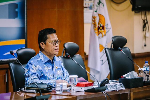 Wakil Ketua Komite II DPD RI Hasan Basri SE, MH memimpin RDP dengan Kementerian Perhubungan di Ruang Rapat Majapahit Lantai 2 Gedung B DPD RI pada Selasa (2/2/2021). (foto: Istimewa)