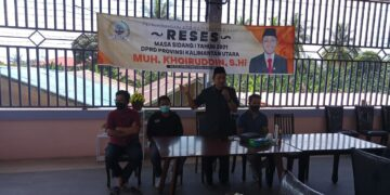 Anggota DPRD Kaltara Dapil Nunukan Muh. Khoiruddin menyapa peserta reses yang didominasi kaum milenial di Sebatik. (foto: Istimewa)