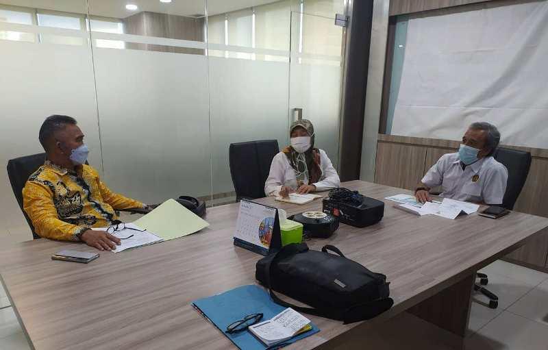 Wali Kota Tarakan dr. H. Khairul M.Kes (kiri) bertemu dengan pejabat yang membidangi jargas di Kementerian ESDM, belum lama ini. (foto: Istimewa)