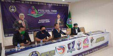 Pengurus Asprov PSSI Kaltara menggelar rapat kerja provinsi di Hotel Bahtera Tarakan, Minggu (25/3/2021). (foto: Istimewa)