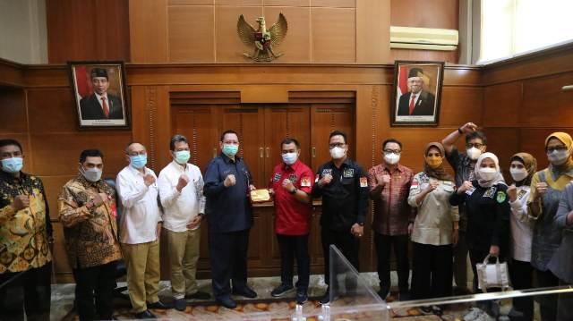 Komite II DPD RI saat melakukan kunjungan lapangan ke Provinsi Jawa Timur, Senin (29/3/2021). (foto: Tim HB)