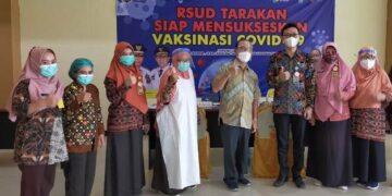 Pelaksanaan vaksinasi di lantai enam RSUD Tarakan, Kamis (25/3/2021). (foto: jendelakaltara.co)