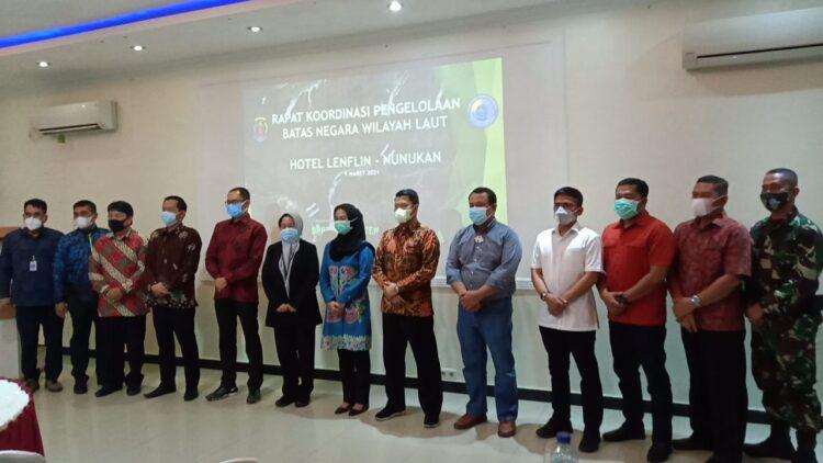 Bupati Nunukan Hj. Asmin Laura Hafid bersama rombongan dari sejumlah kementerian dan BNNP, Selasa (9/3/2021).  (foto: Humas Setda Nunukan)