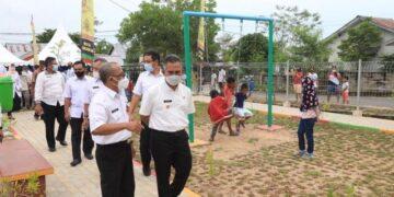 Wali Kota Tarakan dr. H. Khairul M.Kes memantau kondisi TBRA Kelurahan Juata Permai. (foto: Bagian Protokol dan Komunikasi Pimpinan Setda Tarakan)