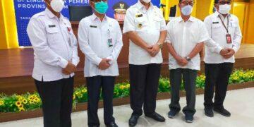 (dari kiri ke kanan) Kepala Dinkes Katltara Usman, dr. Muhammad Hasbi Hasyim Sp.PD, Wagub Kaltara Yansen TP, Plt Direktur RSUD Tarakan dr. Franky Sientoro Sp.A dan Insektur Provinsi Kaltara Ramli. (foto: jendelakaltara.co)