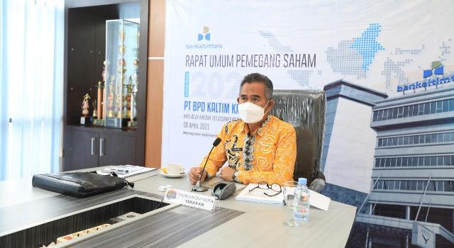 Wali Kota Tarakan dr. H. Khairul M.Kes mengikuti RUPS dengan Dewan Komisaris dan Dewan Direksi Bankaltimtara, Kamis (8/4/2021). (foto: jendelakaltara.co)