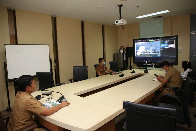 Pemprov Kaltara mengikuti Sidang ke 43 Joint Indonesia Malaysia Meeting (JIM) secara daring pada di Ruang Rapat Wakil Gubernur Kaltara, Selasa (20/4/2021). (foto: Diskominfo Kaltara)