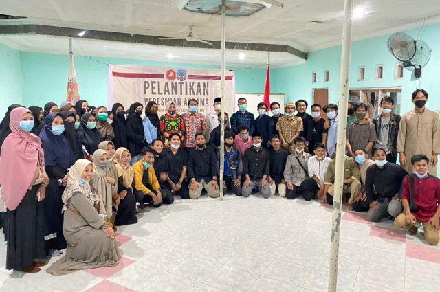 Gubernur Kaltara Zainal A. Paliwang bersama pelajar dan mahasiswa asal Kaltara di NTB. (foto: Diskominfo Kaltara)