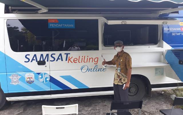 Mobil Samsat keliling milik UPT Pendapatan Provinsi Kaltara telah hadir di Nunukan untuk melayani masyarakat. (foto: Humas Setda Nunukan)