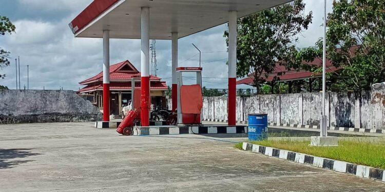 Salah satu APMS di Kabupaten Malinau masih beroperasi secara normal. (foto: Pertamina)