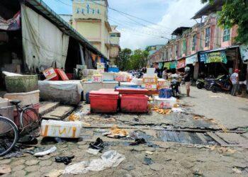 Setelah PT. Gusher akan memperbaiki jalan di Pasar Gusher yang rusak. (foto: jendelakaltara.co)