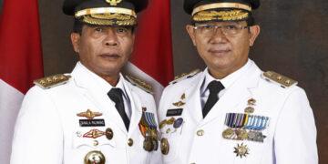 Gubernur Kaltara Zainal A. Paliwang (kiri) dan Wakil Gubernur Kaltara Yansen TP. (foto: Diskominfo Kaltara)