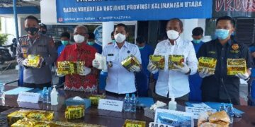 BNNP Kaltara Ungkap Peredaran Jaringan Internasional, Amankan 20,3 Kg Sabu dan 7 Tersangka. (foto: jendelakaltara.co)