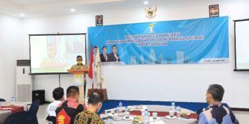 Wali Kota Tarakan dr. H. Khairul M.Kes menyampaikan sambutan pada Muscab V BPC HIPMI Tarakan di ruang pertemuan Hotel Royal Crown, Minggu (30/5/2021). (foto: Prokopimda Tarakan)