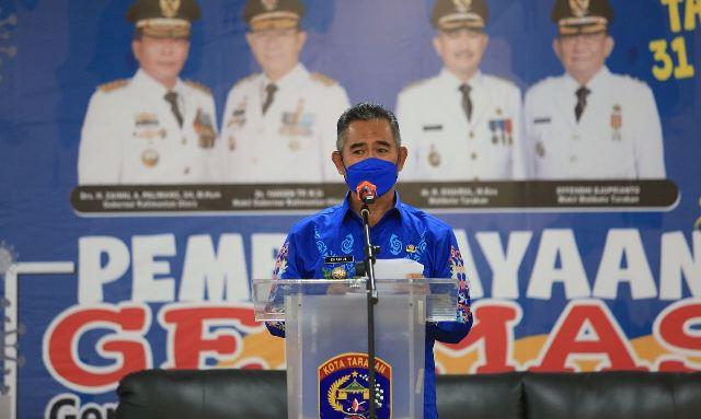Wali Kota Tarakan dr. H. Khairul M.Kes menyampaian sambutan pada peringatan HTTS di gedung Wanita Tarakan, Senin (31/5/2021). (foto: Prokopimda Tarakan)