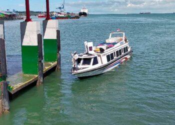 SB Lestari Benuanta tiba di pelabuhan Tengkayu I Tarakan. (foto: Istimewa)